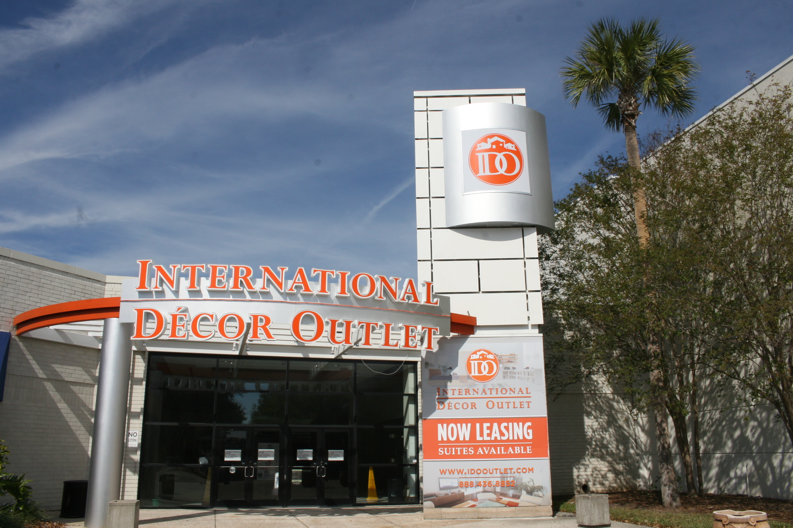 International D Cor Outlet Is Leading The Way In Direct To Consumer Marketing Of Upscale Furnishings Fixtures And Home D Cor The New Ido Florida Outlet
